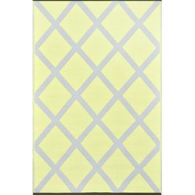 Lightweight Reversible Silver/Pale Banana Indoor/Outdoor Area Rug Rug Size: 4 x 6