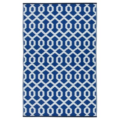Lightweight Reversible Blue/White Indoor/Outdoor Area Rug