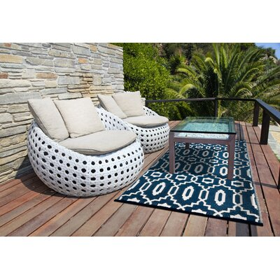 Lightweight Reversible Modern Dark Blue/White Indoor/Outdoor Area Rug Rug Size: 4 x 6