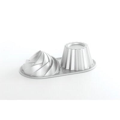 Nordic Ware 6 Cup Cute Cupcake Pan 82524M