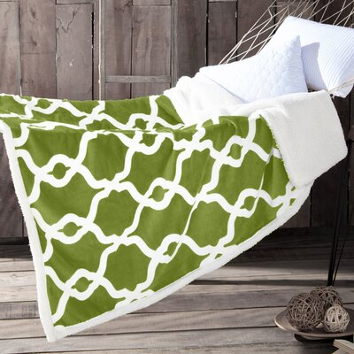 Esy Sherpa Throw Blanket Color: Green Pea
