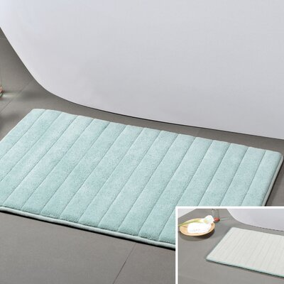 Gouverneur Reversible Memory Foam Bath Rug Color: Spa Blue/White, Size: Small