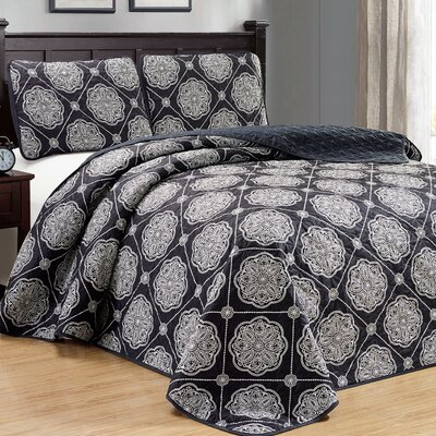 Uplander 3 Piece Reversible Quilt Set Color: Black, Size: Full/Queen