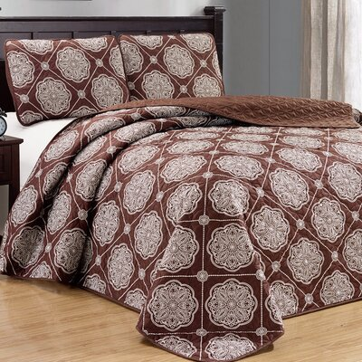 Uplander 3 Piece Reversible Quilt Set Color: Chocolate, Size: King