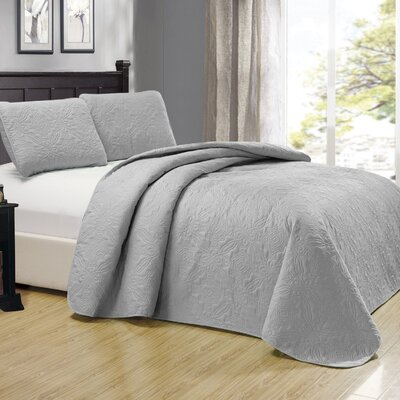 Browning 3 Piece Reversible Quilt Set Color: Silver