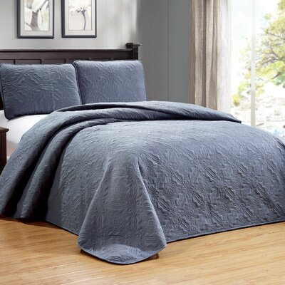 Browning 3 Piece Reversible Quilt Set Color: Gray