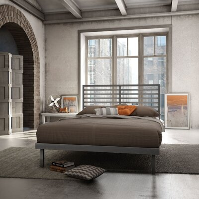 Theodore Platform Bed Size: Queen, Color: Glossy Grey
