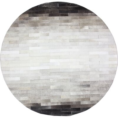 Tuscon Hand-Crafted Gray Area Rug Rug Size: Round 8