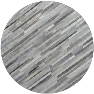 Tuscon Hand-Crafted Grey Area Rug Rug Size: Round 6