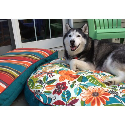Pool and Patio Jungle Dog Bed Size: Small (24 L x 19 W)