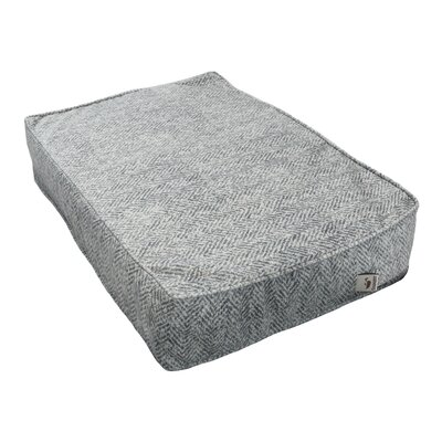 Show Dog Outlast Heating and Cooling Dog Bed Size: Small (15 W x 5 D), Color: Palmer Dove