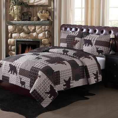 Upper Peninsula Reversible Quilt Set Size: Full / Queen