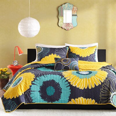 Coverlet Set Size: Twin / Twin XL