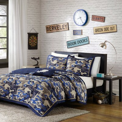 Josh Coverlet Set Color: Blue, Size: Full / Queen