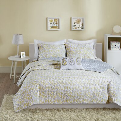 Susie Coverlet Set Color: Yellow, Size: Twin
