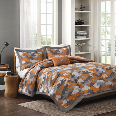 Lance Comforter Set Size: Full / Queen
