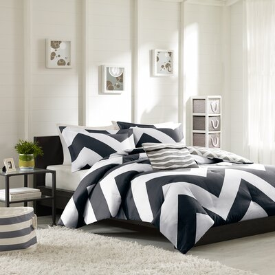 Libra Reversible Comforter Set Size: King / California King, Color: Black