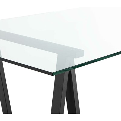 Daryll Dining Table