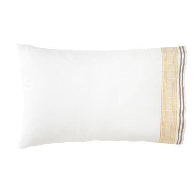 Blockprint Border Pillowcase Size: Standard