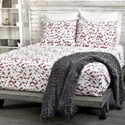 Kinetic Coverlet Color: White / Red, Size: King