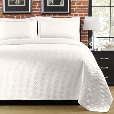 Freman Coverlet Size: Full/Queen, Color: White