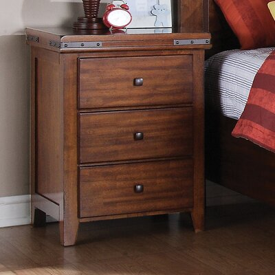 Nashoba 3 Drawer Bachelors Chest
