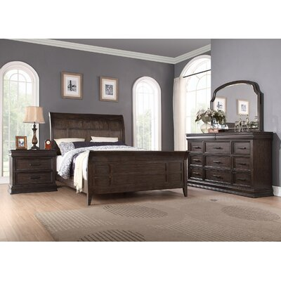 Xcalibur Sleigh Bed Size: Queen
