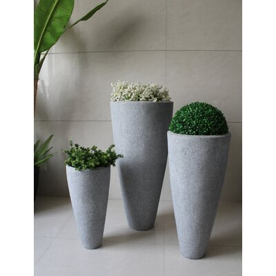 Screen Gems 3 Piece Long Conical Planter Set