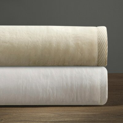Blanket Size: King, Color: Cream