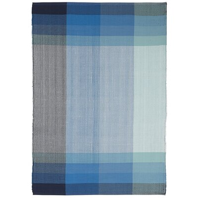 Estate Bliss Hand-Woven Blue Indoor/Outdoor Area Rug Rug Size: 5 x 8