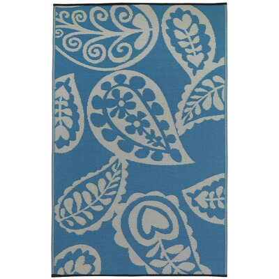 Paisley River World Blue & White Indoor/Outdoor Area Rug Rug Size: 6' x 9'