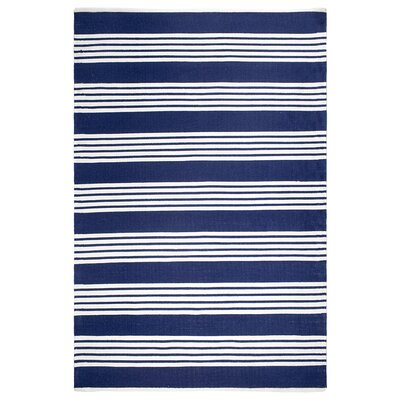 Estate Mariona Hand-Woven Blue/White Indoor/Outdoor Area Rug Rug Size: 4 x 6