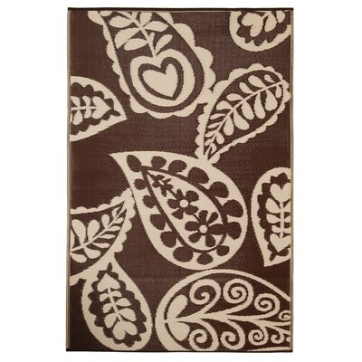 Paisley Chestnut/Cream World Indoor/Outdoor Area Rug Rug Size: 5 x 8