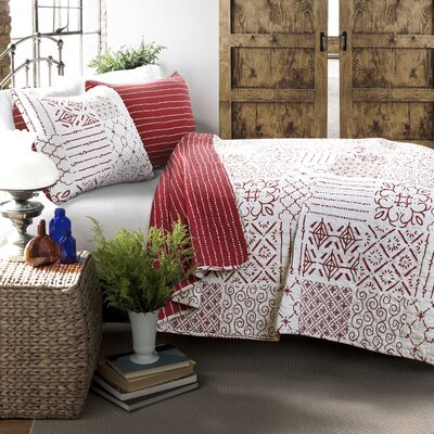 Hawthorn 3 Piece Reversible Quilt Set Size: Full/Queen