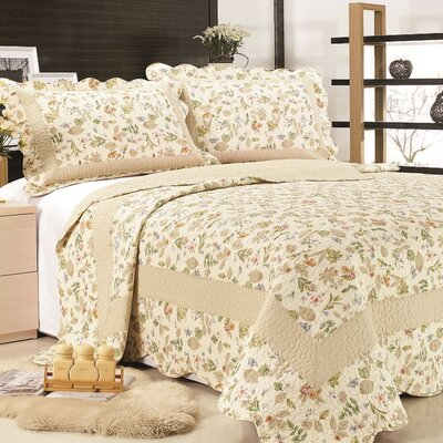 Brooke Reversible Quilt Set Size: Twin
