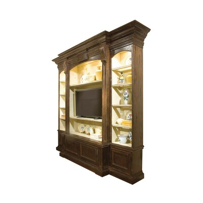Stratton 119 Entertainment Center Color: Classic Studio/Antique Honey, Accent: Gold