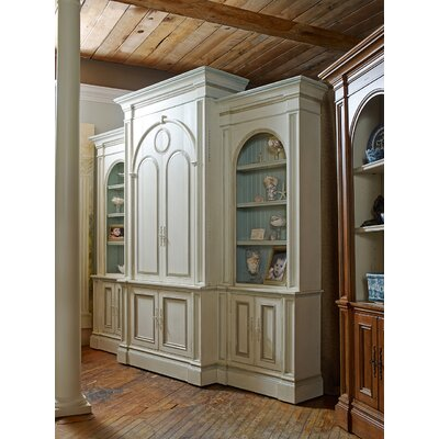 Brooklyn 120 Entertainment Center Color: Connoisseur/Classic White, Accent: Champagne