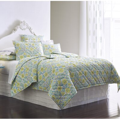 Painted Medallions Lake Quilt Set