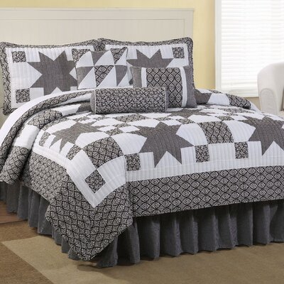American Traditions Black Country Star King Quilt Set