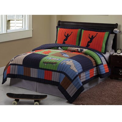 Cool Skate Quilt Set Size: Twin