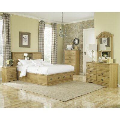 Oak Creek 3 Drawer Nightstand