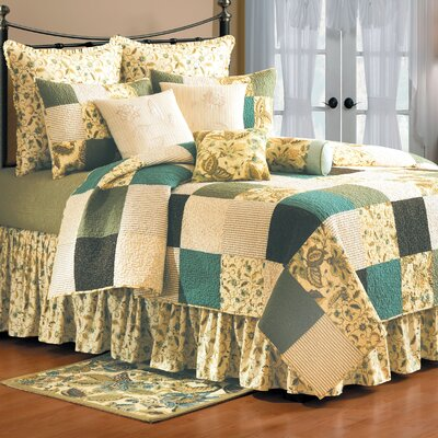 Delaney Quilt Size: Full/Queen