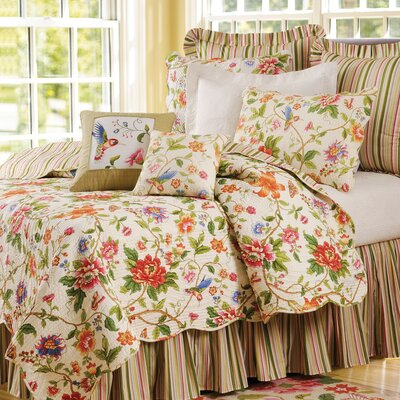 Talia Quilt Size: Full/Queen