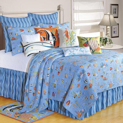 Reef Paradise Quilt Size: Full/Queen