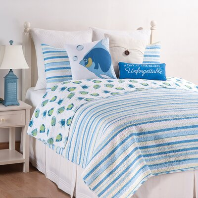 Island Bay Reversible Quilt Set Size: King