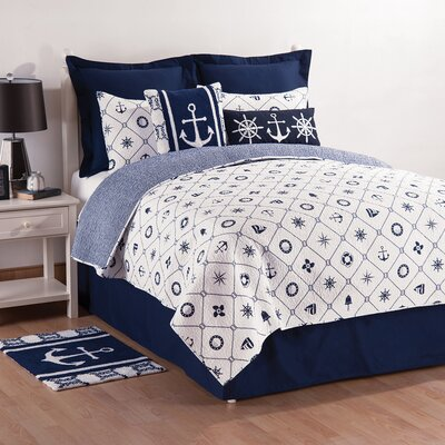Sailors Bay Reversible Quilt Set Size: King