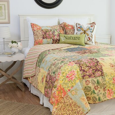 Rosalinda Reversible Quilt Set Size: Full/Queen