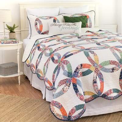Heritage Wedding Ring Reversible Quilt Set Size: Twin