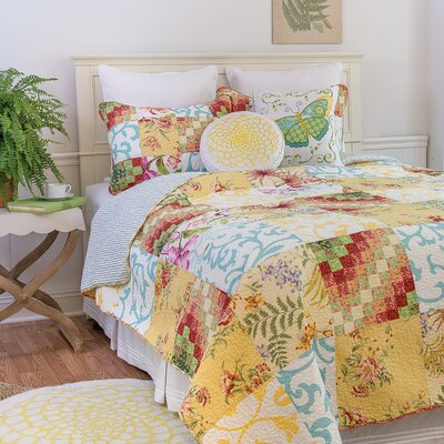 Alese Reversible Quilt Set Size: Twin