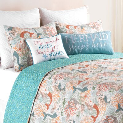 Chatsworth Quilt Set Size: Twin